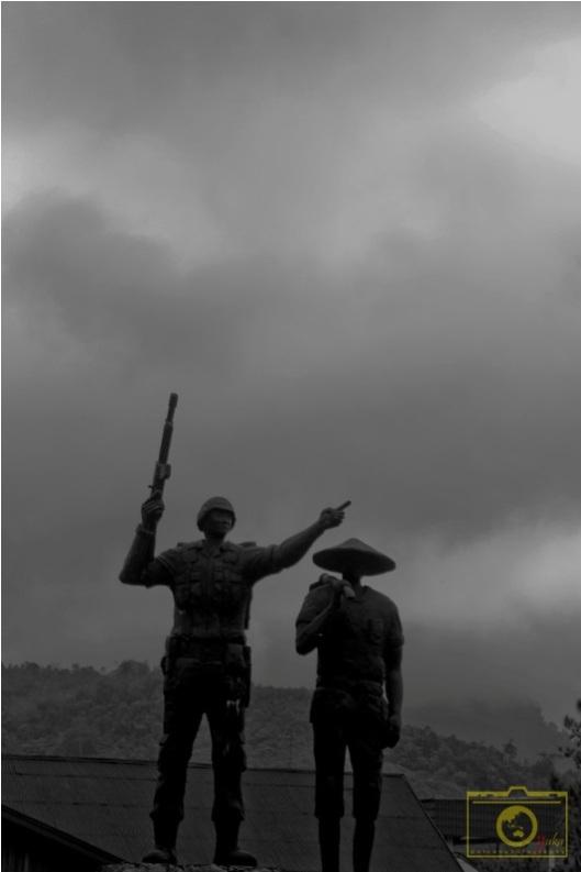 Sijunjung, tugu tentara dan petani